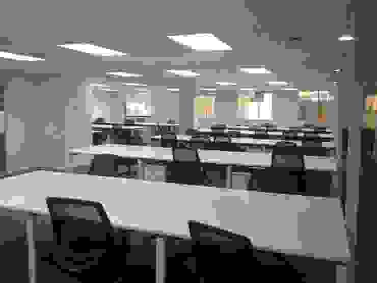 Projekty,  Przestrzenie biurowe i magazynowe zaprojektowane przez MSGARQ ,