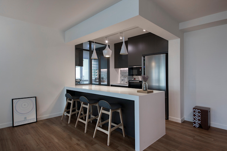 COMPASSVALE ANCILIA II Minimalist dining room by Eightytwo Pte Ltd Minimalist