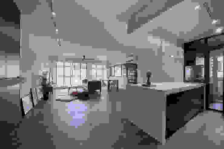 COMPASSVALE ANCILIA II Scandinavian style living room by Eightytwo Pte Ltd Scandinavian