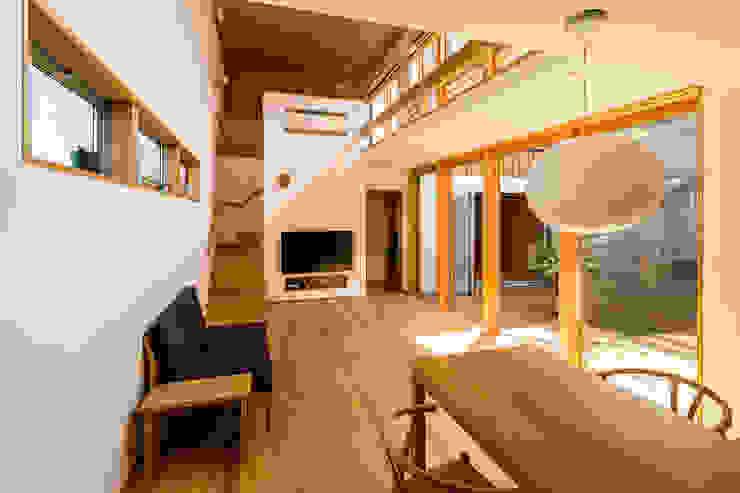 中山大輔建築設計事務所/Nakayama Architects Eclectic style living room