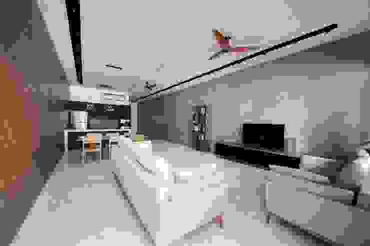 JALAN TANJONG Scandinavian style living room by Eightytwo Pte Ltd Scandinavian