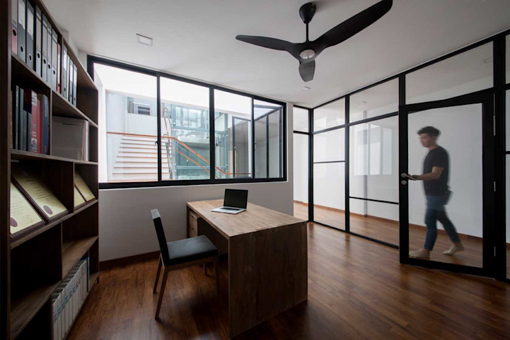 JALAN TANJONG Industrial style study/office by Eightytwo Pte Ltd Industrial
