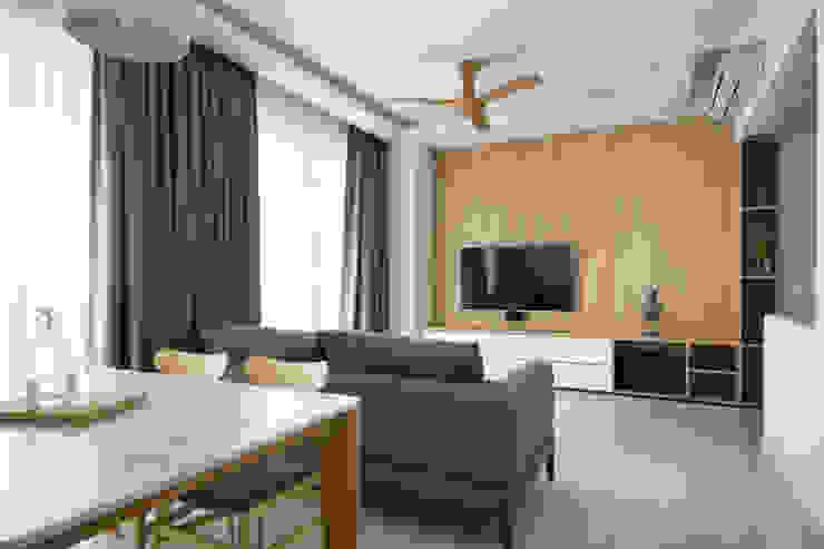 SKY HABITAT Scandinavian style living room by Eightytwo Scandinavian Wood Wood effect