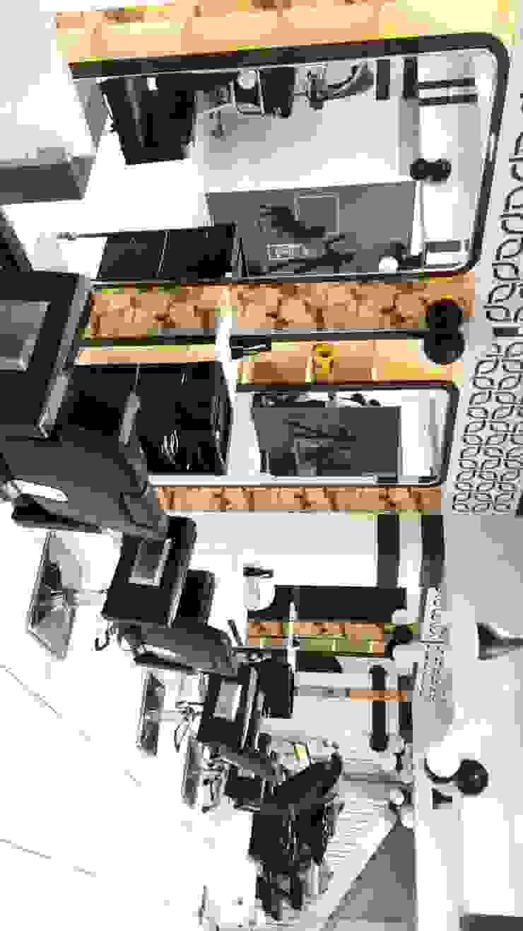 Divine Salon at M G Road by TWENTY SIX architects