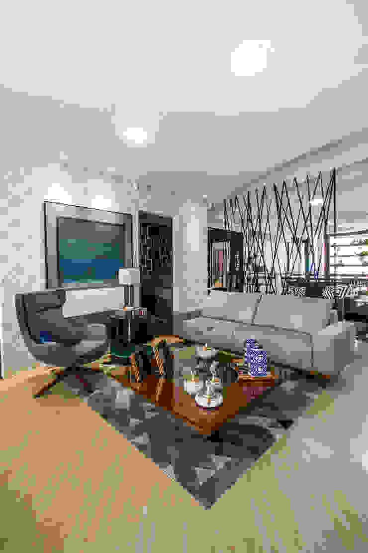 Livings de estilo moderno de Sgabello Interiores Moderno Derivados de madera Transparente