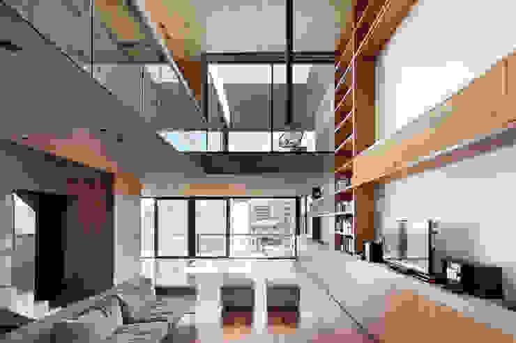 ATV Arquitectos Salones de estilo moderno Madera