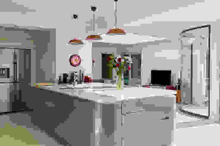 Shaun and Jenny, Bookham Surrey House Transformation by Model Projects Ltd Сучасний