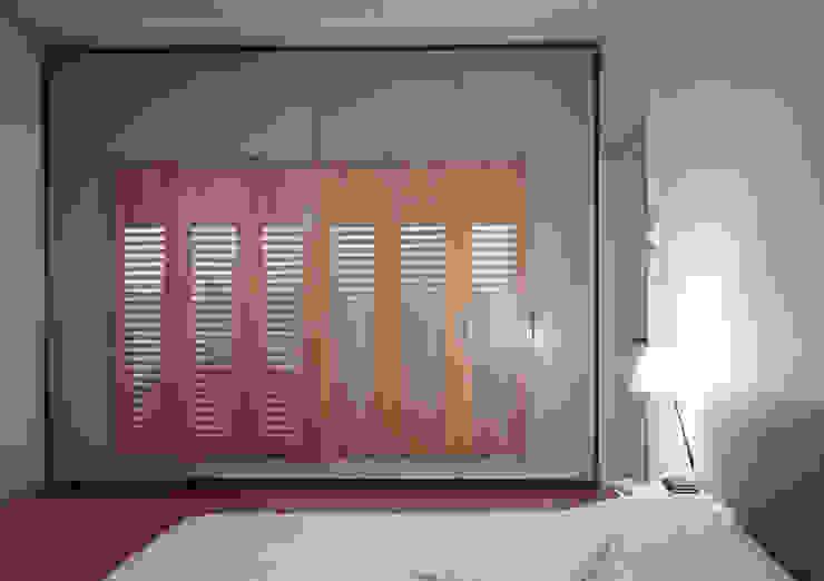 Herenhuis renovatie Moderne slaapkamers van Bergblick interieurarchitectuur Modern