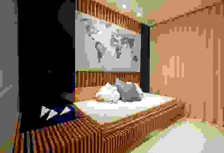 PAULA MARTINS ARQUITETURA, INTERIORES E DETALHAMENTO Modern Media Room Wood