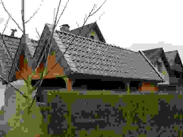 Carportdach Sanierung in Bad Salzuflen von Dachdeckermeisterbetrieb Dirk Lange Modern Ziegel