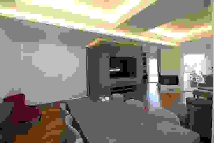 Modern Dining Room by Giuseppe Rappa & Angelo M. Castiglione Modern