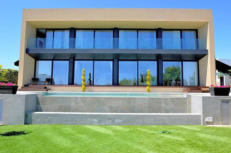 Moderne en mooie villa gelegen in Talamanca op Ibiza van CW Group - Luxury Villas Ibiza Modern Beton