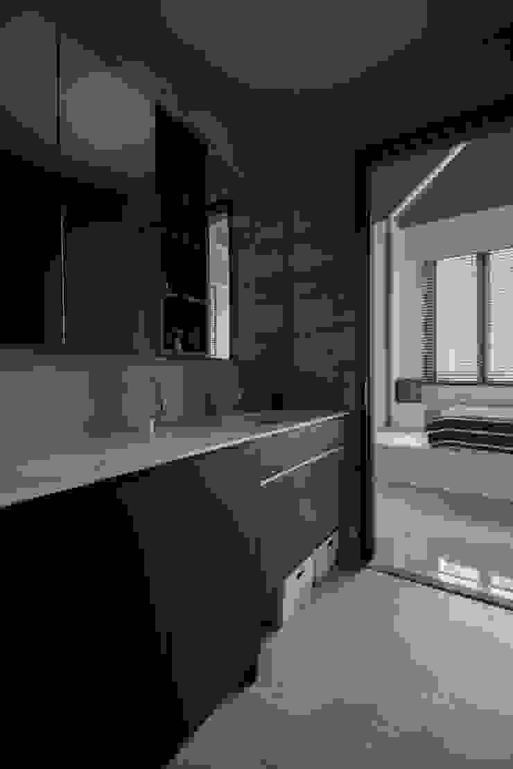 ECO Modern bathroom by Eightytwo Modern