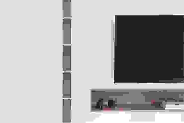 EASTWOOD GREEN 2 Scandinavian style living room by Eightytwo Pte Ltd Scandinavian