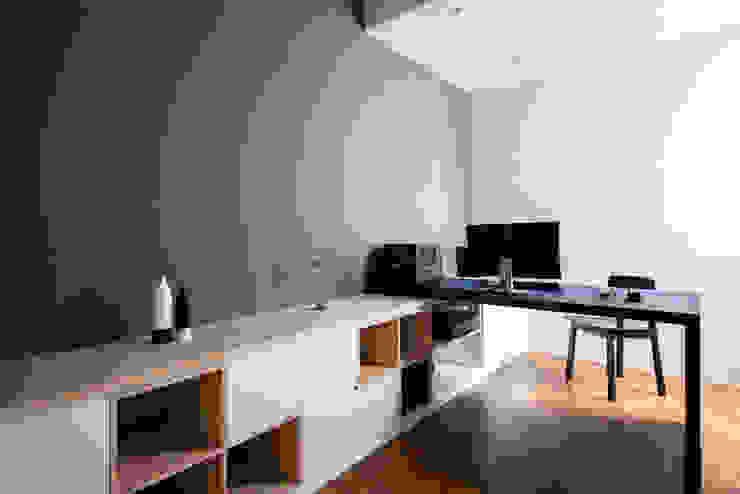 EASTWOOD GREEN Scandinavian style study/office by Eightytwo Pte Ltd Scandinavian
