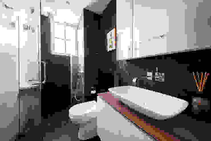 EASTWOOD GREEN Scandinavian style bathroom by Eightytwo Pte Ltd Scandinavian