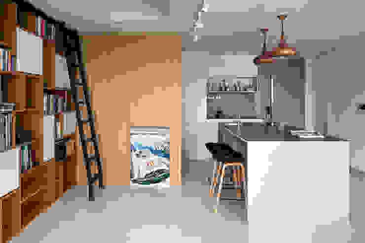 Livings de estilo escandinavo de Eightytwo Pte Ltd Escandinavo
