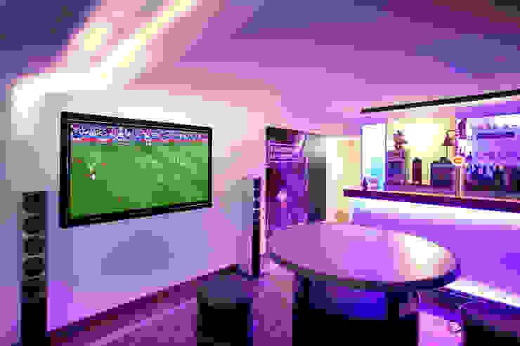 Gira, Giersiepen GmbH & Co. KG Salas multimedia modernas