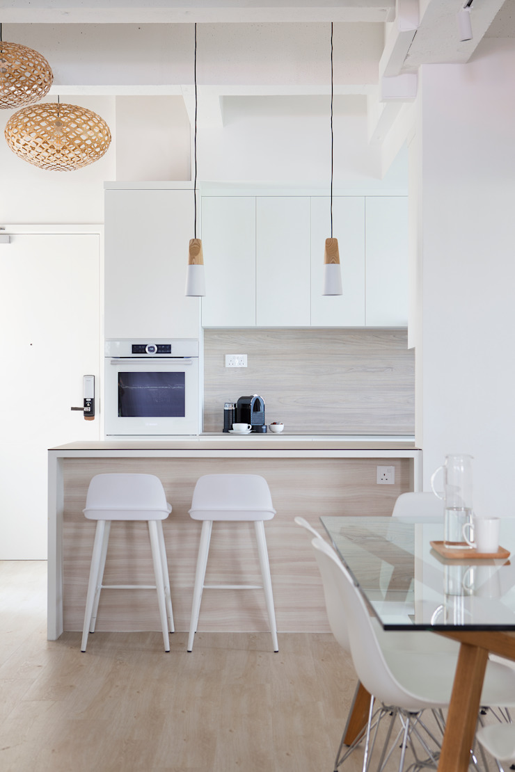 THE BALE Scandinavian style dining room by Eightytwo Pte Ltd Scandinavian