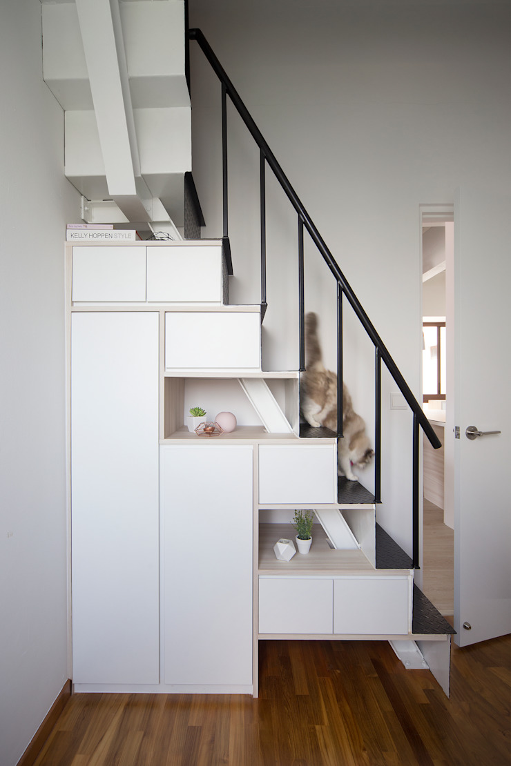 THE BALE Scandinavian style corridor, hallway& stairs by Eightytwo Pte Ltd Scandinavian
