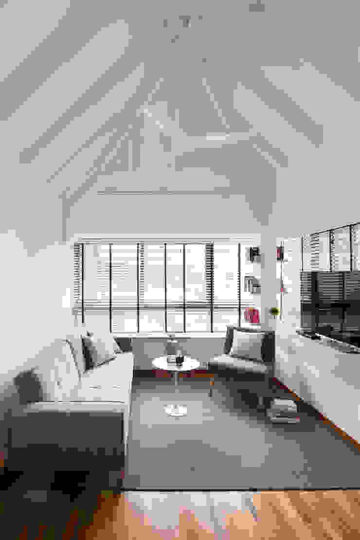 THE BALE Scandinavian style living room by Eightytwo Pte Ltd Scandinavian