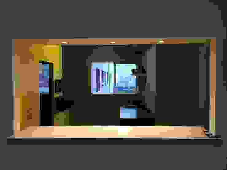 meson cocina americana PICHARA + RIOS arquitectos Muebles de cocinas Derivados de madera Amarillo