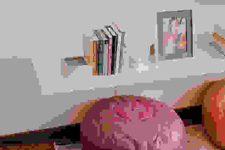 Redesign Studio Modern style bedroom