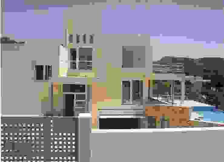 Modern villa with frontal sea view in Ibiza by FHS Casas Prefabricadas Modern Ceramic