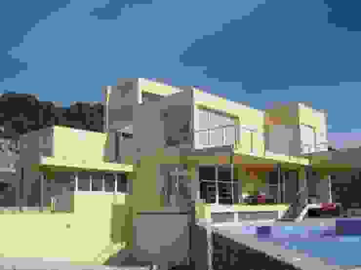 Modern villa with frontal sea view in Ibiza by FHS Casas Prefabricadas Modern Concrete