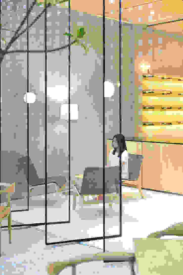 Second Floor Seating Area Gastronomi Minimalis Oleh KERA Design Studio Minimalis