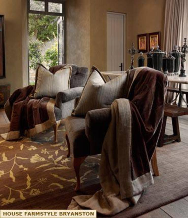LIVING ROOM by Kiara Tiara by Tanja Tomaz Colonial