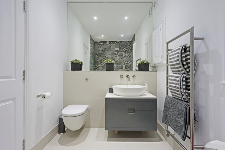 Bathroom by PAD ARCHITECTS, Modern