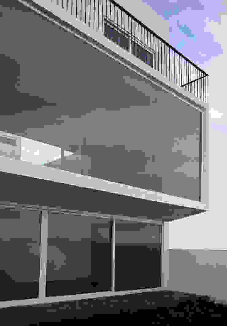 AWA arquitectos Single family home Reinforced concrete White