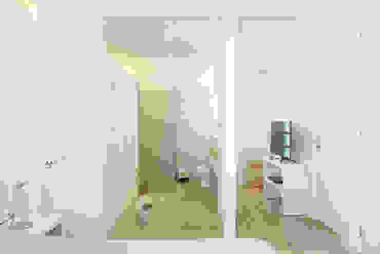 AWA arquitectos Bagno minimalista Cemento Grigio
