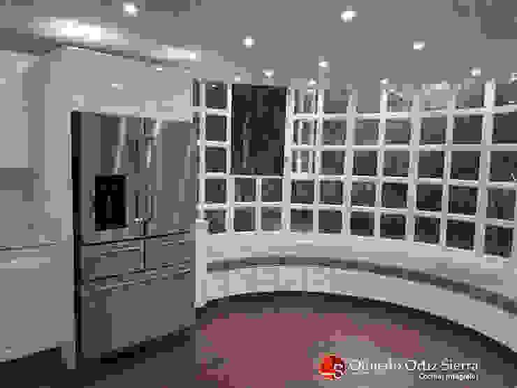 Cocina Integral Blanca Grande – Cali, colombia de Cocinas Integrales Olmedo Ortiz Sierra Moderno Aglomerado