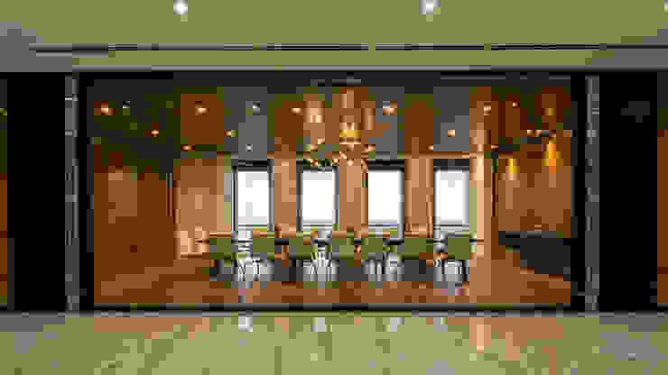 Workspace design for SSG bởi ADP Architects Hiện đại