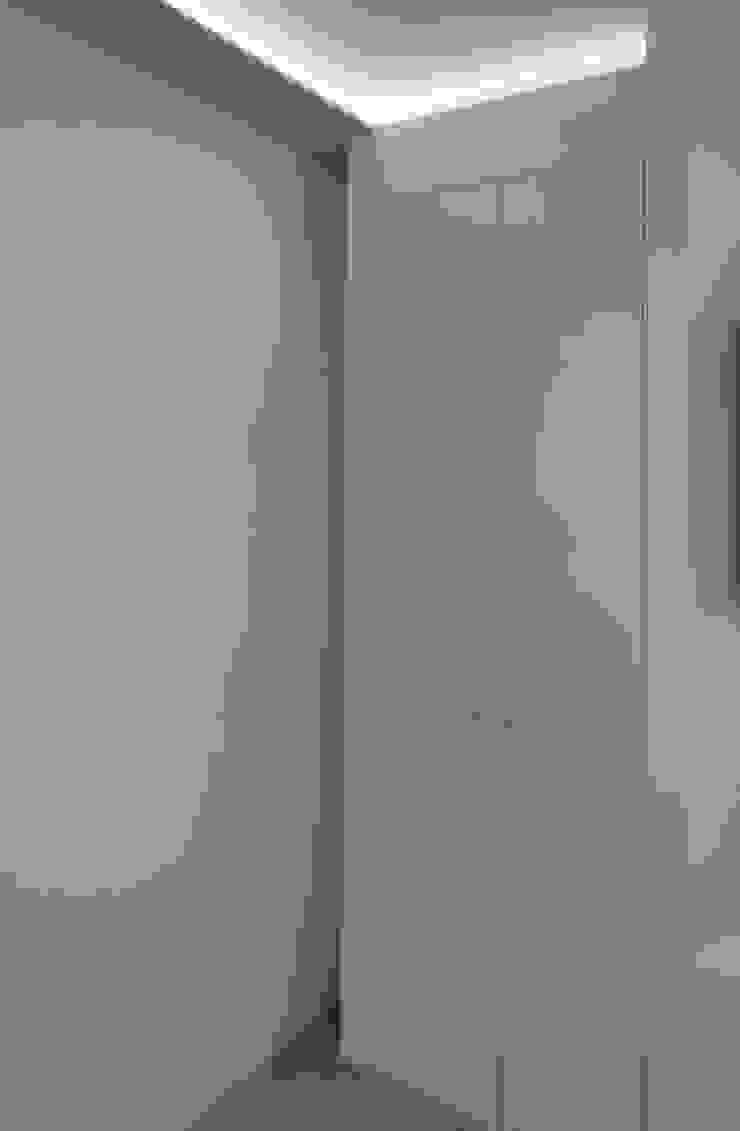 Corredores, halls e escadas modernos por Architettura & Interior Design 'Officina Archetipo' Moderno