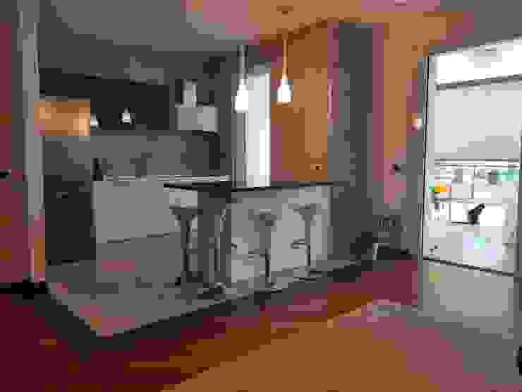 Cocinas de estilo minimalista de Pamela Tranquilli Interior Designer Minimalista