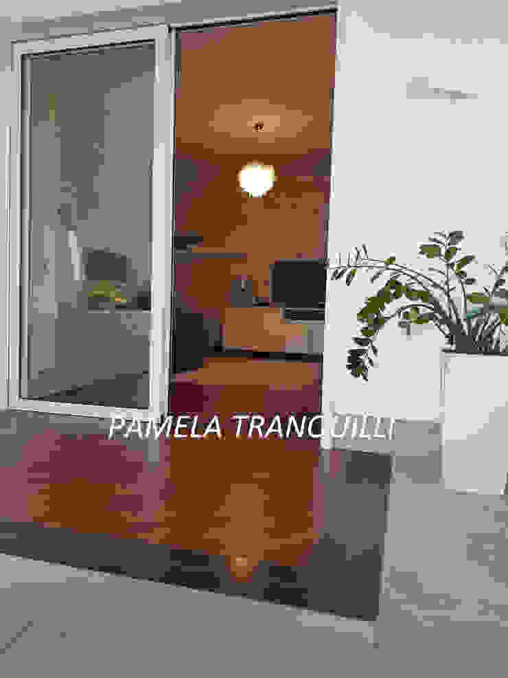 Balcones y terrazas eclécticos de Pamela Tranquilli Interior Designer Ecléctico