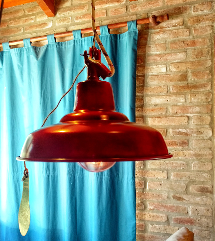 Lamparas Vintage Vieja Eddie Office spaces & stores Aluminium/Zinc Red