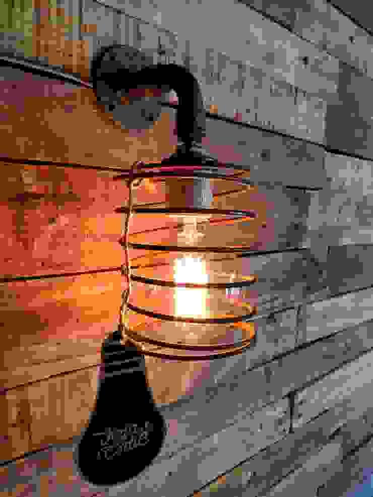 APLIQUE LAMPARA PARED ESTILO INDUSTRIAL ESPIRAL ALAMBRE FOCO VINTAGE:  de estilo industrial por Lamparas Vintage Vieja Eddie,Industrial Hierro/Acero