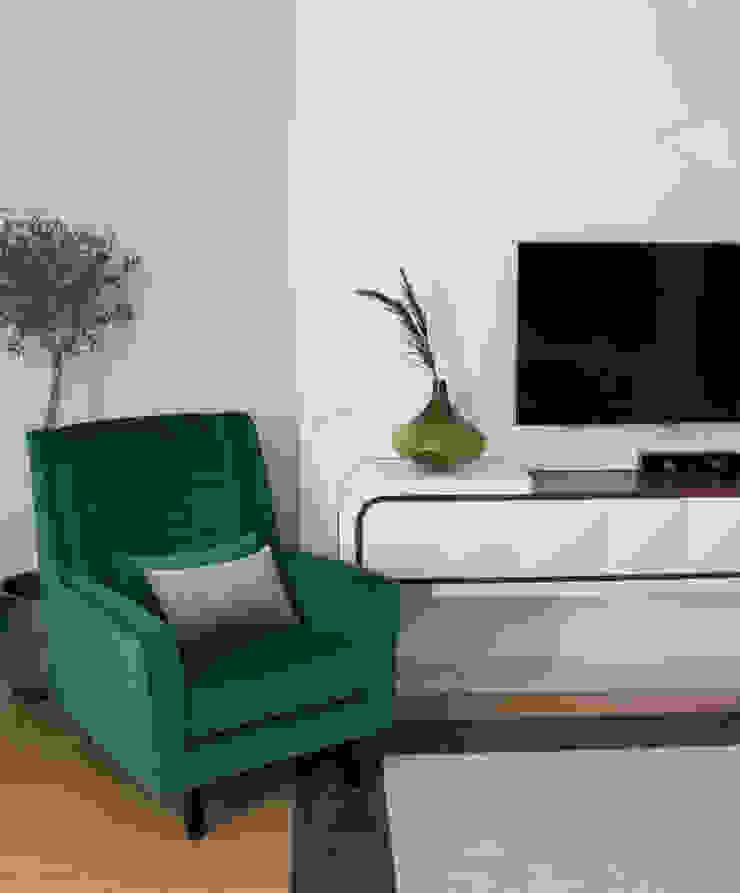 ORCHIDS LOFT by Alexandra Pedro Modern living room Wood White