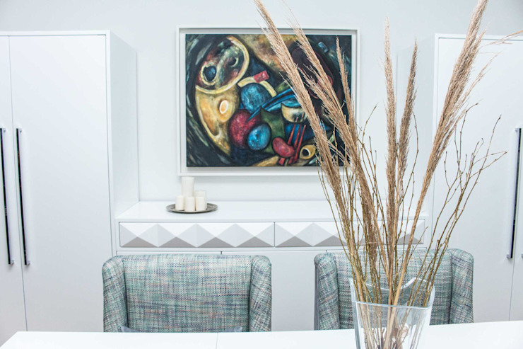 ORCHIDS LOFT by Alexandra Pedro Modern dining room Wood White