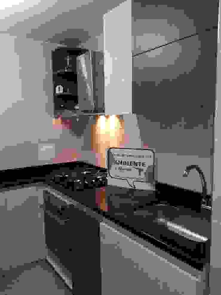 Cocinas integrales, personalizadas a tu gusto Cocinas de estilo minimalista de Ambiente Records Minimalista Madera Acabado en madera