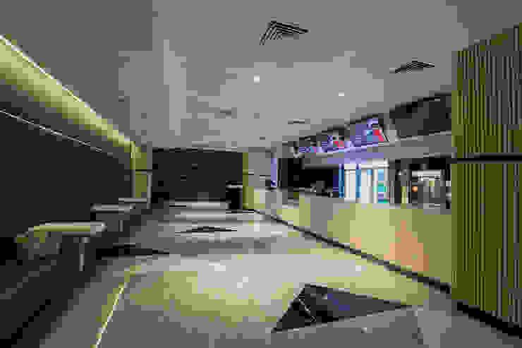 Commercial Spaces by G.T. DESIGN 大楨室內裝修有限公司