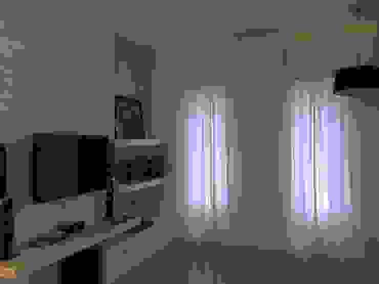 Simply Living Room Ruang Keluarga Tropis Oleh Lighthouse Architect Indonesia Tropis