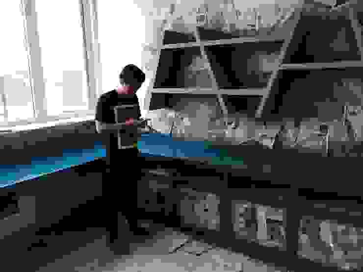 Habitaciones para niños de estilo minimalista de Lighthouse Architect Indonesia Minimalista
