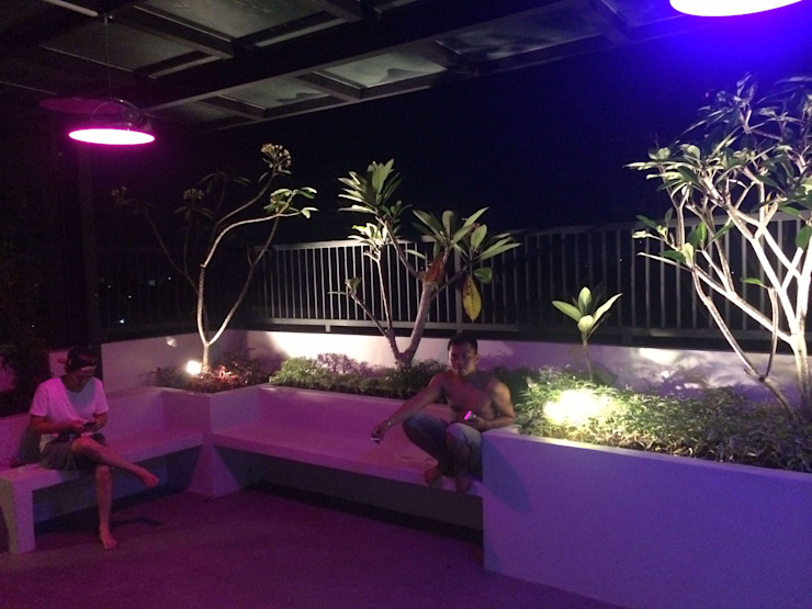 Minimalist style garden by Lighthouse Architect Indonesia Minimalist