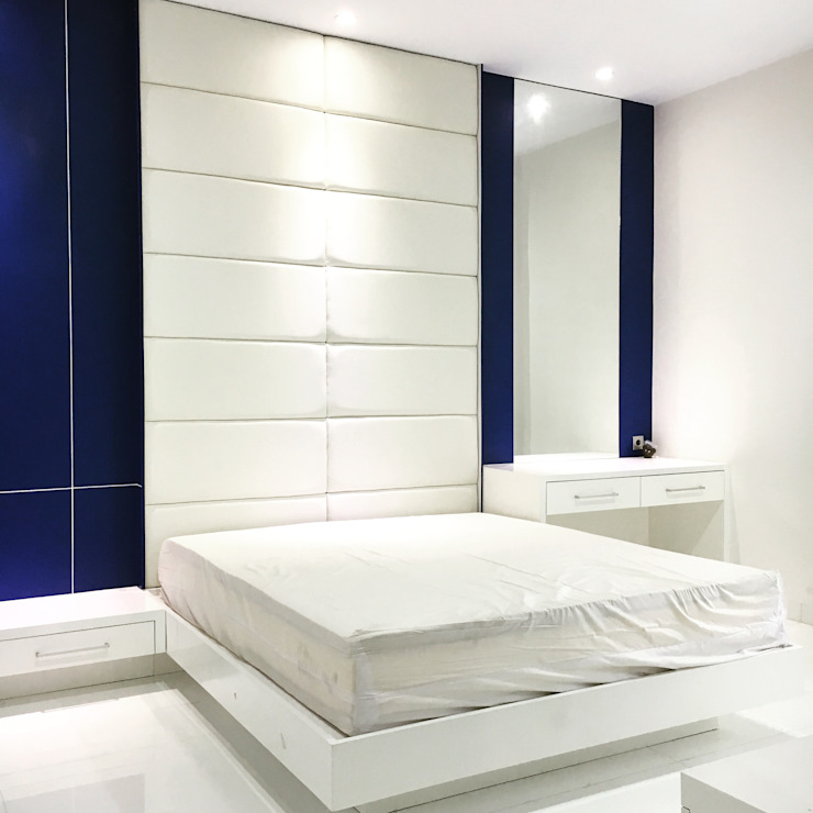 Minimalist bedroom by Lighthouse Architect Indonesia Minimalist
