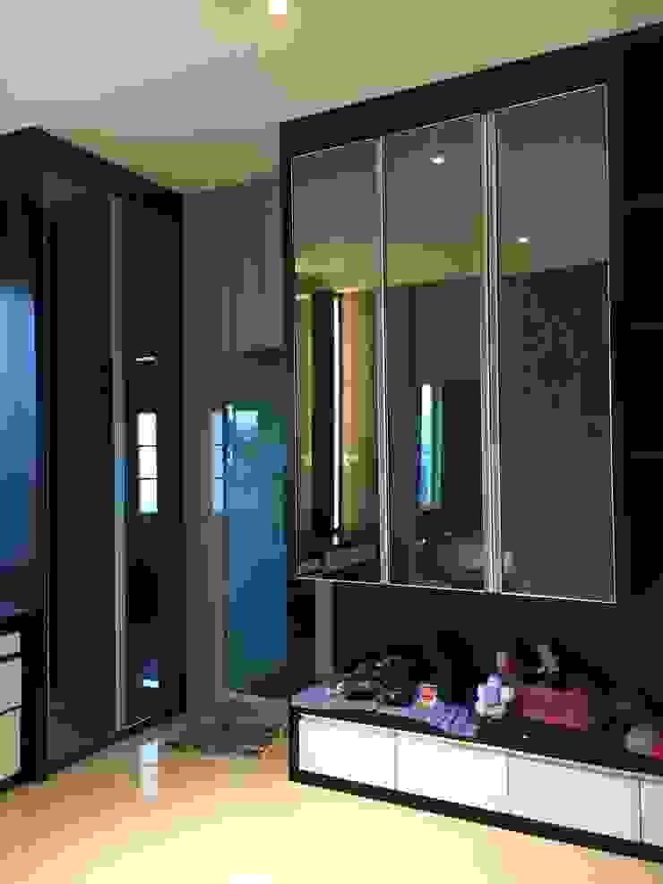 D House, Simpang Empat. Pematangsiantar City Ruang Ganti Minimalis Oleh Lighthouse Architect Indonesia Minimalis